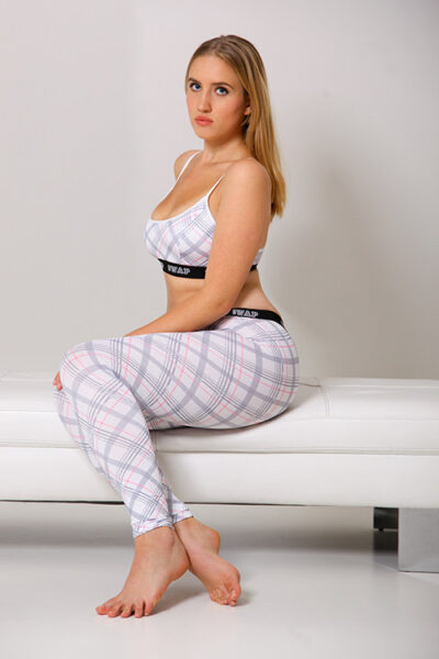 SWAP elasztikus poliészter leggings, derekán széles gumipánttal, kockás mintás.