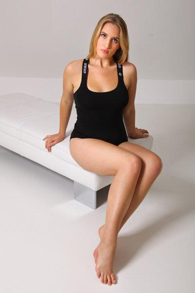 SWAP fehérnemű elasztikus pamut body, széles gumi vállpánttal, dupla mellrésszel, teli fenekű fazonban.