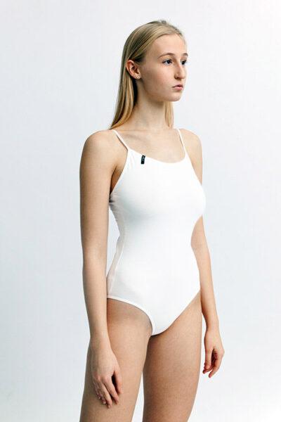 SWAP fehérnemű elasztikus pamut body, állítható vállpánttal, teli fenekű fazonban, fehér.